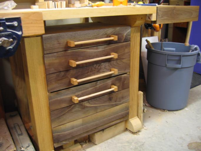 Woodworking building benches for small shops